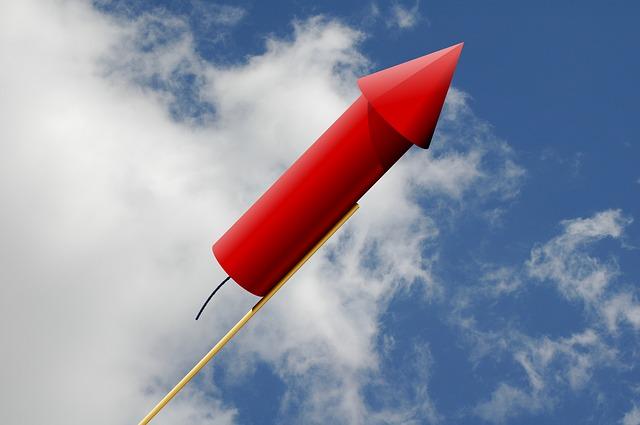 rocket-979271_640